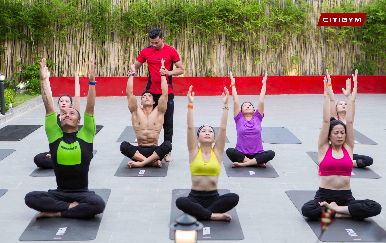 Yoga cho người mới tập có khó không? Cách lựa chọn phòng tập phù hợp